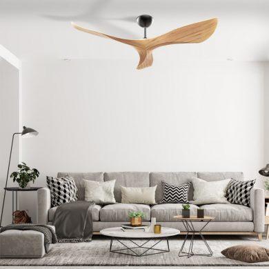 מאוורר תקרה SPAZIO בצבע עץ של חברת Norther עם שלט